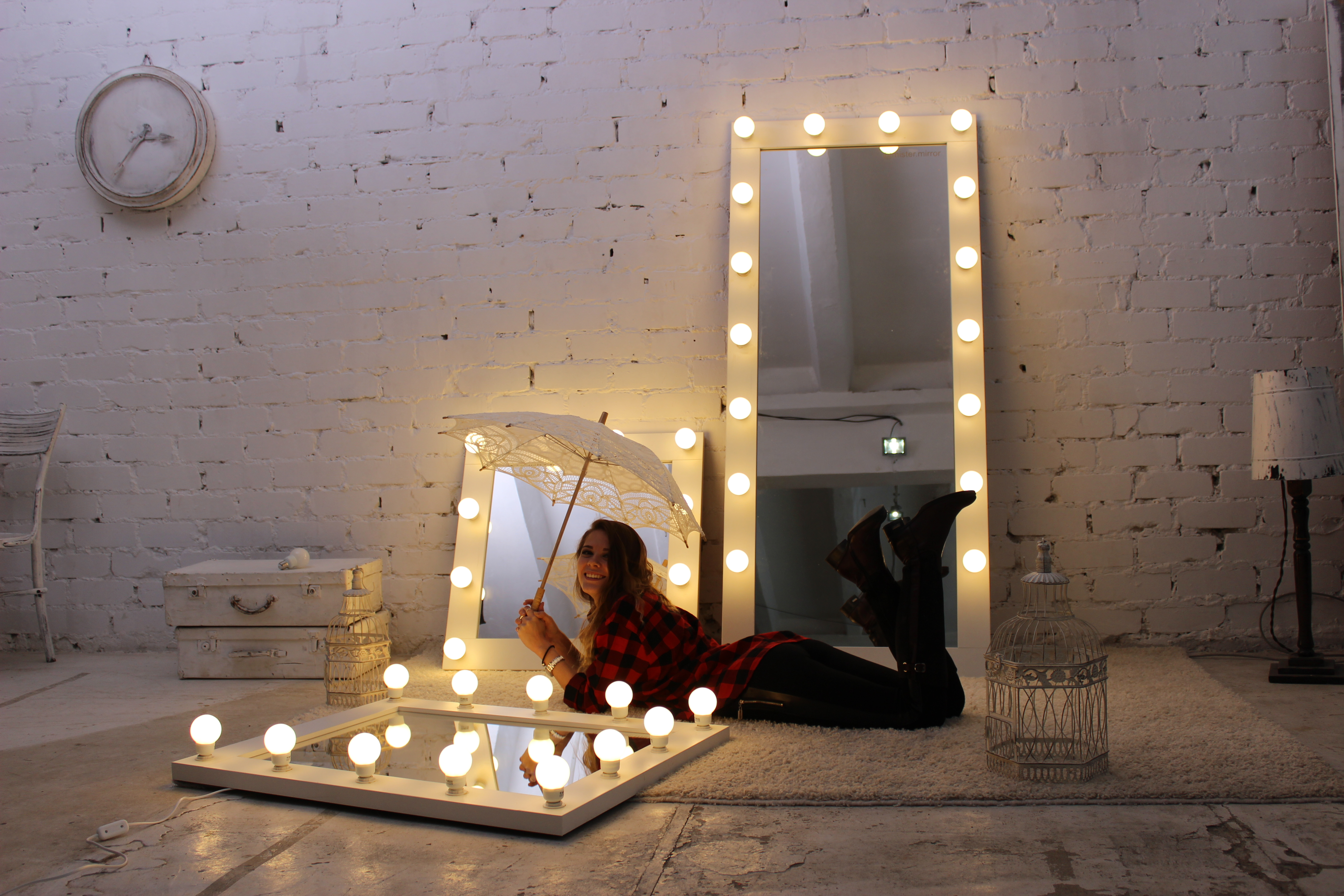 Гримерные зеркала (lained)